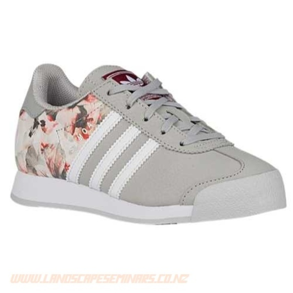 1bc5a8810ec6 adidas Other - Adidas Samoa Youth Size 2.5 Girls Gray Floral